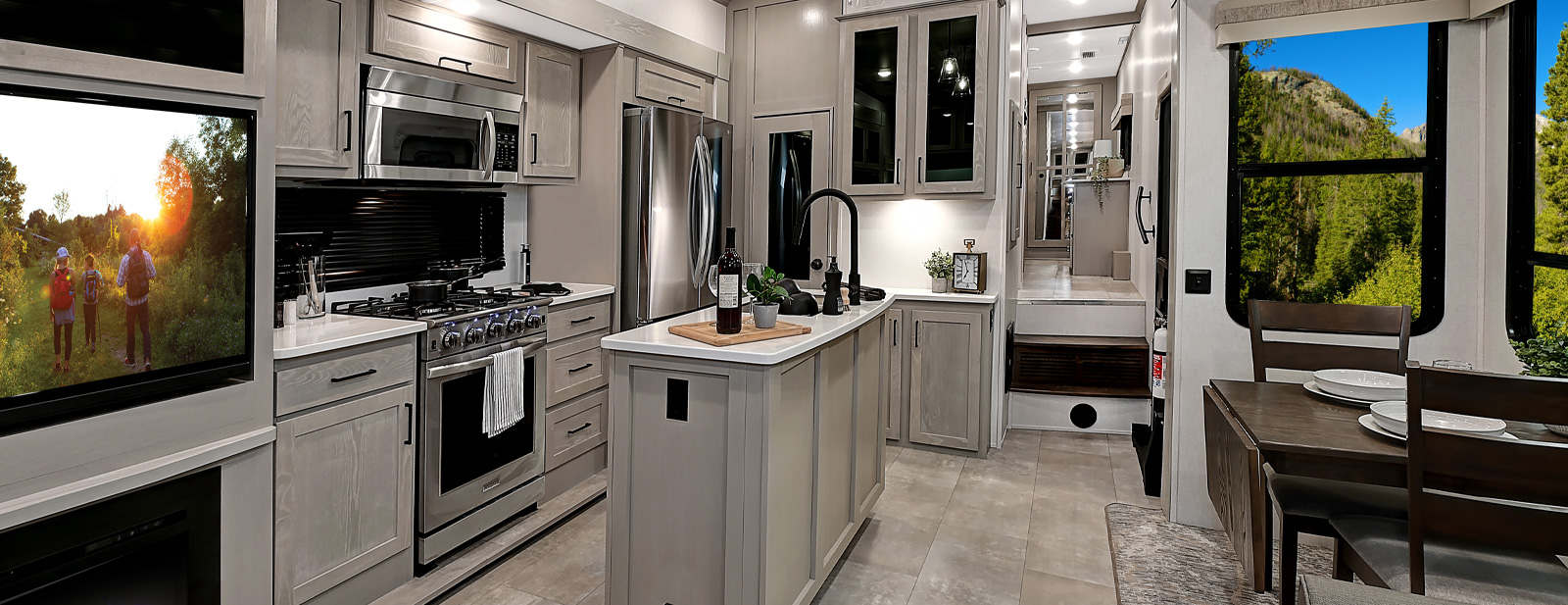 Columbus | Palomino RV - Manufacturer of Quality RVs since 1968