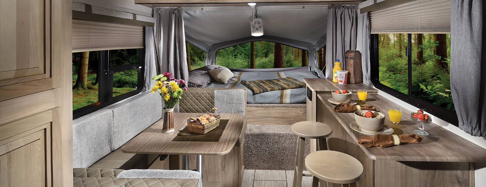SolAire eXpandable Travel Trailers by Palomino