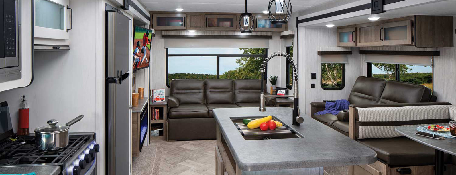 Half Ton Towable Fifth Wheels >> Puma Palomino Rv Manufacturer Of Quality Rvs Since 1968